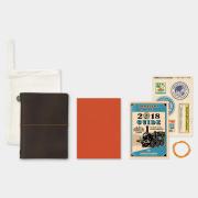 トラベラーズノート パスポートサイズ 2018 月間 茶